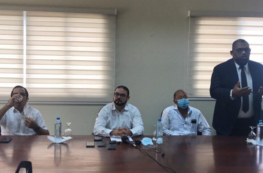 Director Denuncia Encontro Empleados Botellas CORAAPLATA