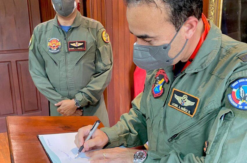 Director Cestur Gira Visita Cortesía Jefe Base Aérea Puerto Plata