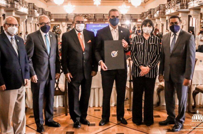 Ministro Paliza: «Nuestro Gobierno Garantiza Libertad de Prensa»