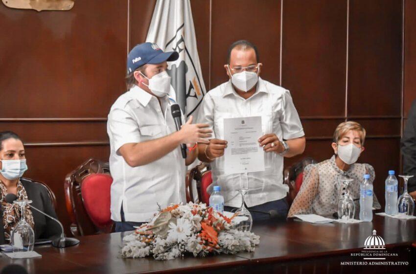 Ministro Paliza Entrega Recursos Destina Gobierno Obras Sociales Puerto Plata