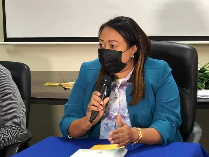 Regional Ministerio Educación Reconoce Empresario Wilfredo Gonzalez