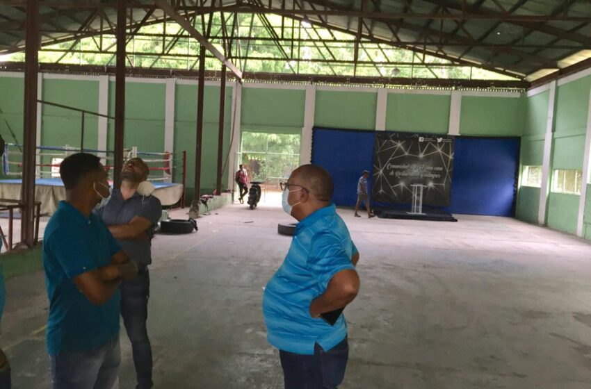 Director Regional Inspecciona Instalaciones Deportivas La Chocolatera