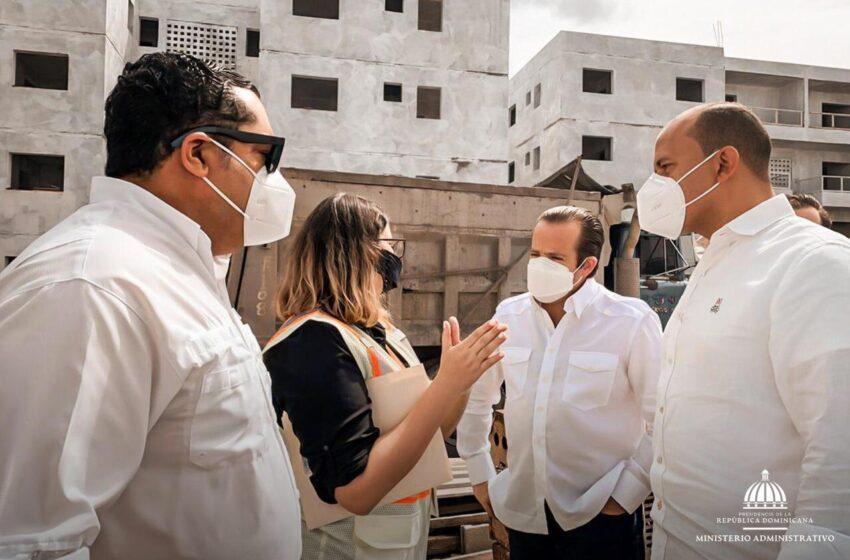 Ministro Paliza Supervisa Proyecto Habitacional San Juan de la Maguana