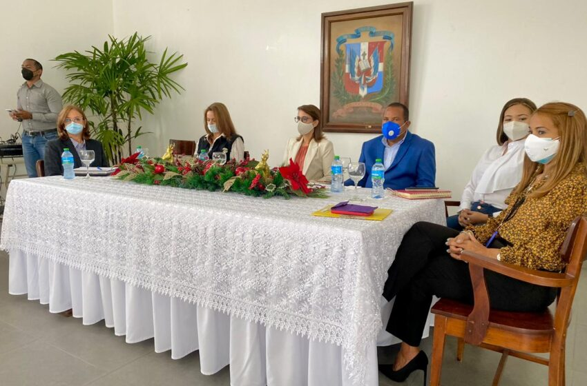 Gobernación Celebra Curso Capacitación Grupo Emprendedores Puerto Plata