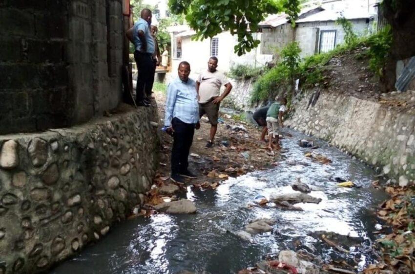 Cabildo Dispone Limpieza Cañadas, Encaches Sectores Puerto Plata