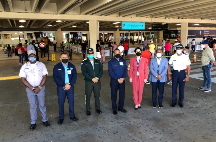Director Nacional CESAC Inspecciona Terminal AILA-Santo Domingo Este