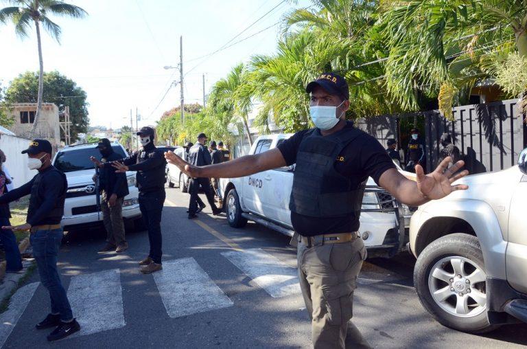 Pacas Pajas Gallinas Provoca Allanamiento Oficinas Políticas Abel Martinez