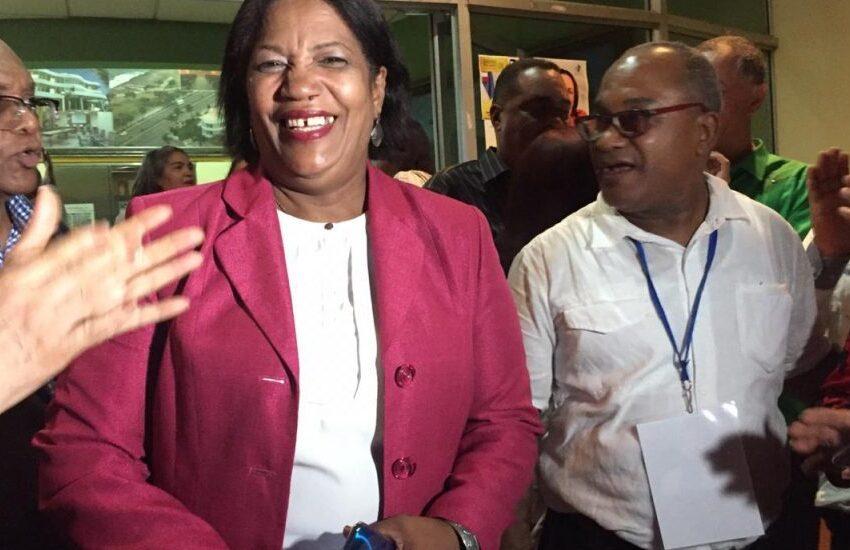 Presidenta Aboga Miembros CDP Reciban Vacunas Contra COVID-19