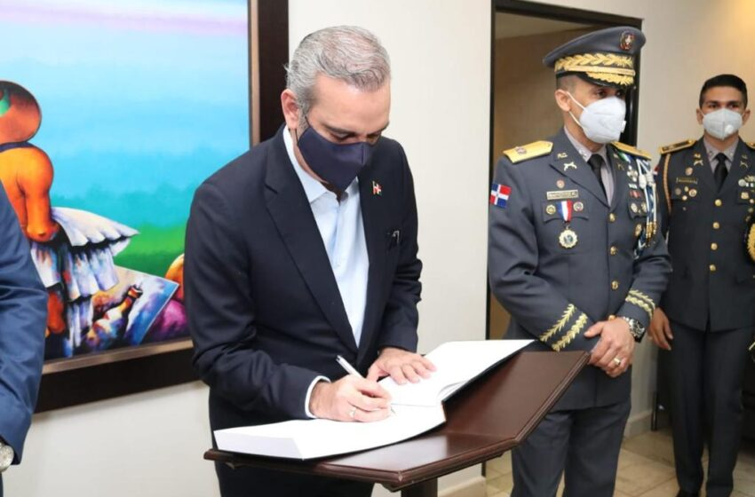 Gobierno Trabaja Transformación Integral e Institucional Policía Nacional
