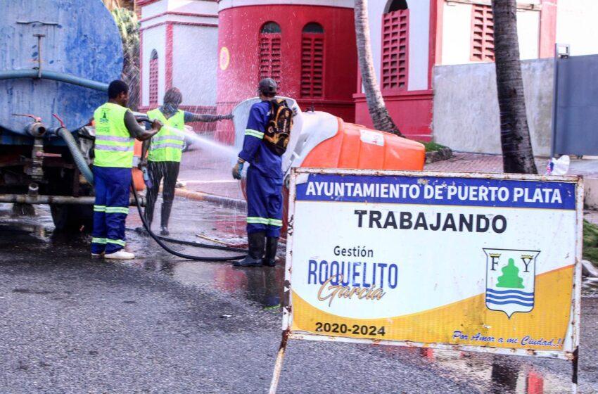 Cabildo Procede Limpieza Contenedores Basura Municipio Puerto Plata