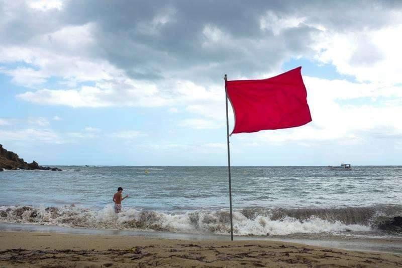 Defensa Civil Prohíbe Baños, Actividades Acuáticas Playas Puerto Plata
