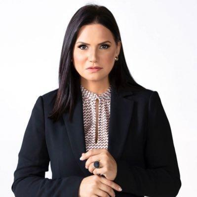 Periodista Julissa Céspedes Recomienda Ex funcionario PLD «Dormir Con Ropa»