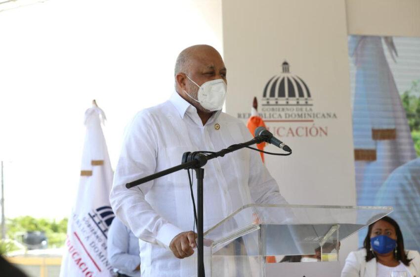 Ministro Educación Asegura: «Cumplimos Compromisos Presidente Abinader»