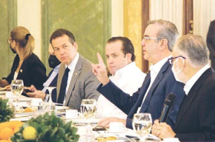 Presidente Abinader: «Ito Bisono Ni Tiene Culpa Aumento Combustible»