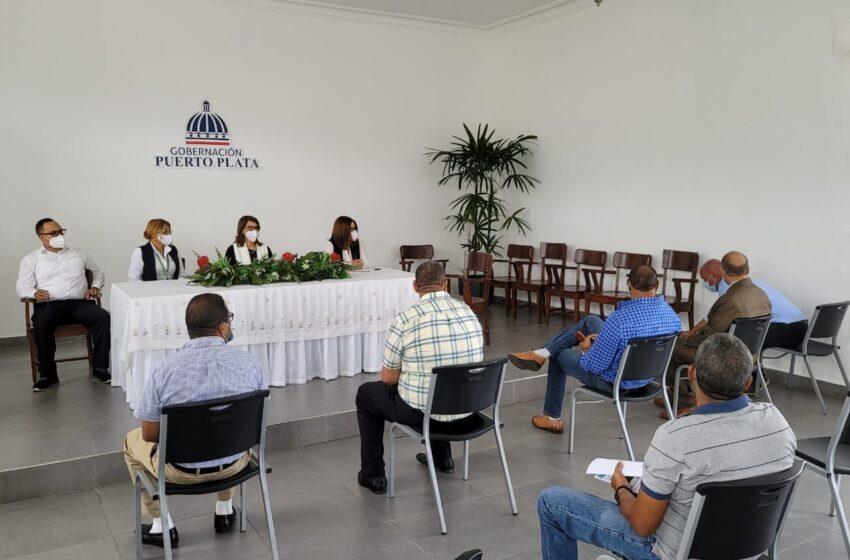 Gobernadora Claritza Rochette Celebra Reunión Transportistas Turísticos Puerto Plata