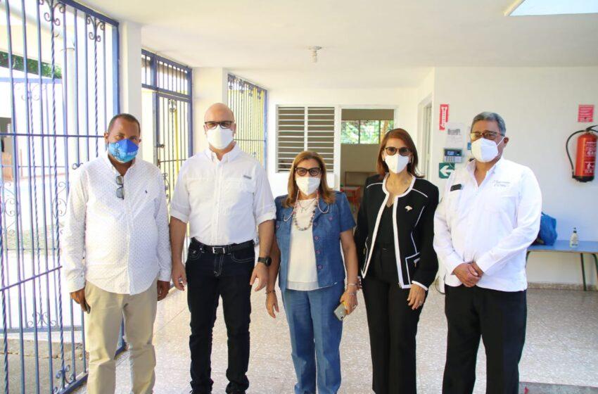 Comisión Funcionarios Gobierno Inspeccionan Obras en Puerto Plata