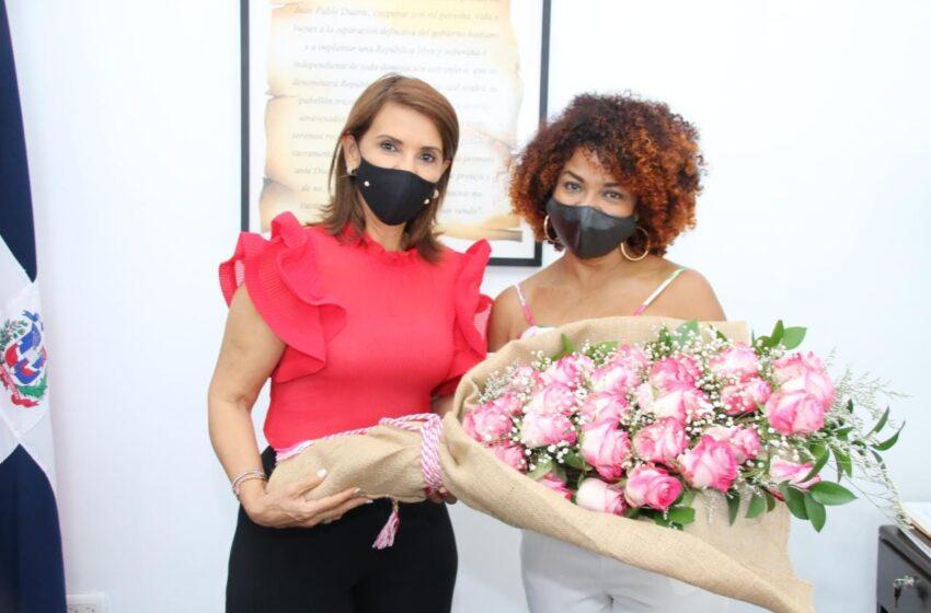 Gobernadora Claritza Rochette Recibe Visita Actriz Cheddy Garcia