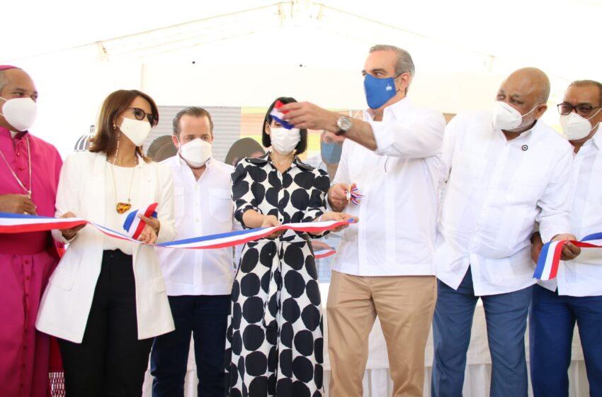 Presidente Abinader Deja Inaugurada Escuela Municipio Montellano