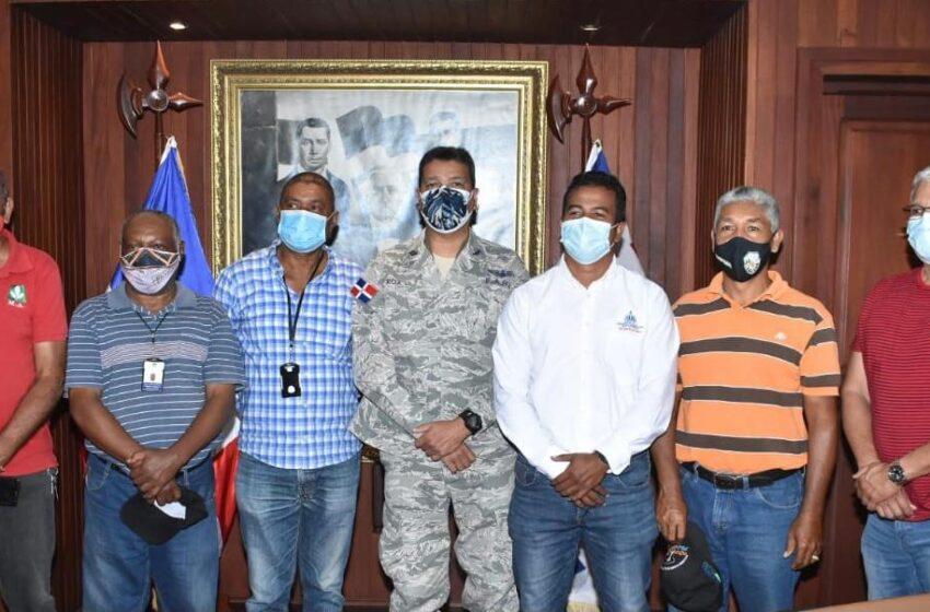 Comisión Ministerio Agricultura Gira Visita Comandante Base Aérea Puerto Plata