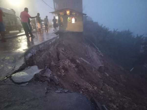 Lluvias Arrasan Viviendas Carretera La Cumbre-Puerto Plata